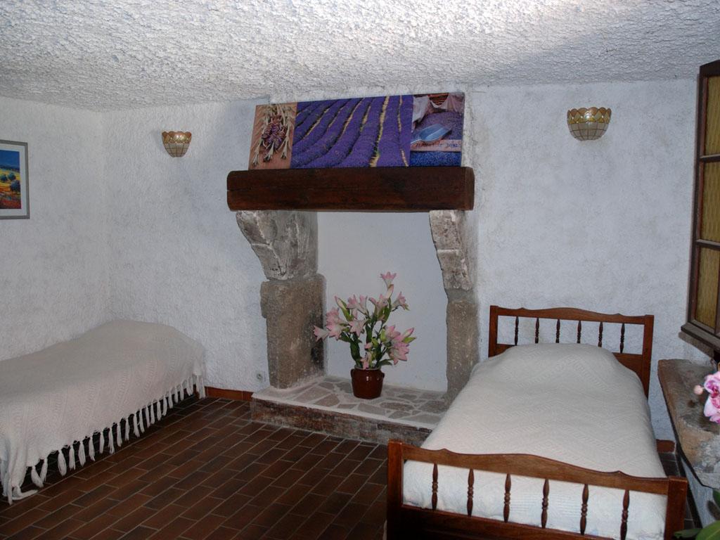 Les buisses en provence chambres d h tes location piolenc vaucluse 84 - Chambre dhotes orange provence ...